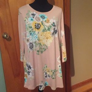 Reborn J light pastel floral tunic NWOT
